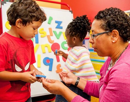 성공 사례 : 프로그램 식별, 발달 지연이있는 어린이 지원