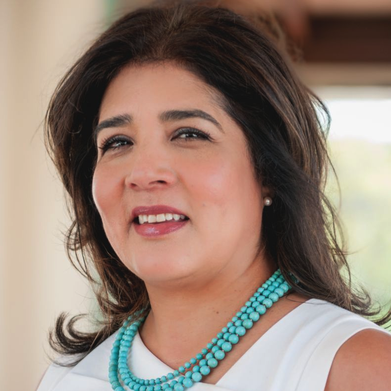 Yvette Martínez