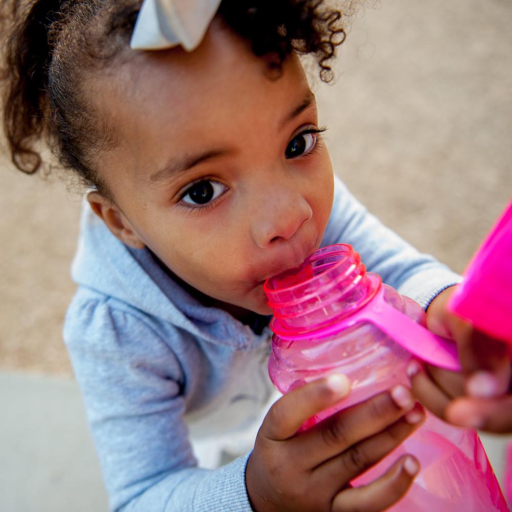 보육 시설에서 캘리포니아의 안전한 물 노력을 강화하는 연구 목표