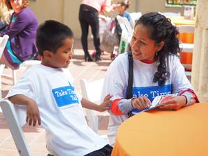 LAUP lanza un conjunto de herramientas de construcción de vocabulario para ayudar a cerrar la brecha de 30 millones de palabras entre niños de bajos y altos ingresos