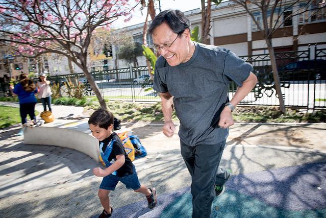 Nuôi dạy con cái đa thế hệ: Duy trì hoạt động