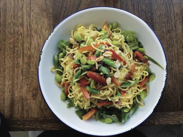 Cầu vồng Pasta Salad