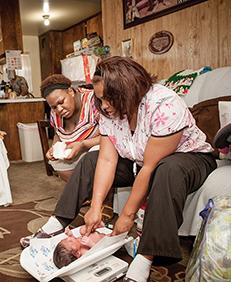 "En las noticias: Spotlight on First 5 LA (Grantees) Parenting, ""by the Numbers"""