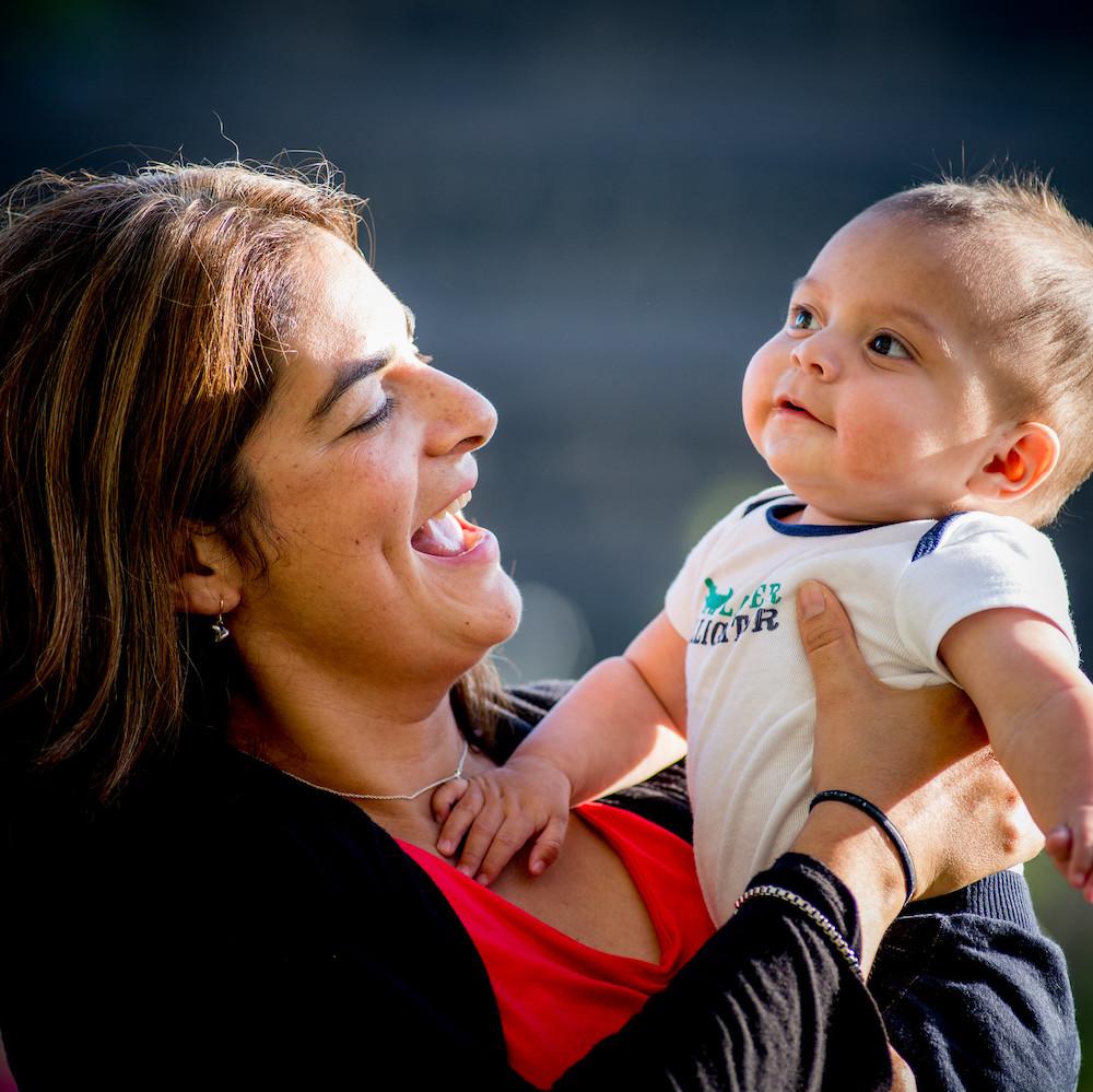 메디 케이드의 새로운 가족 초점 : 건강 관리 사실 자료에 대한 XNUMX 세대 접근 방식