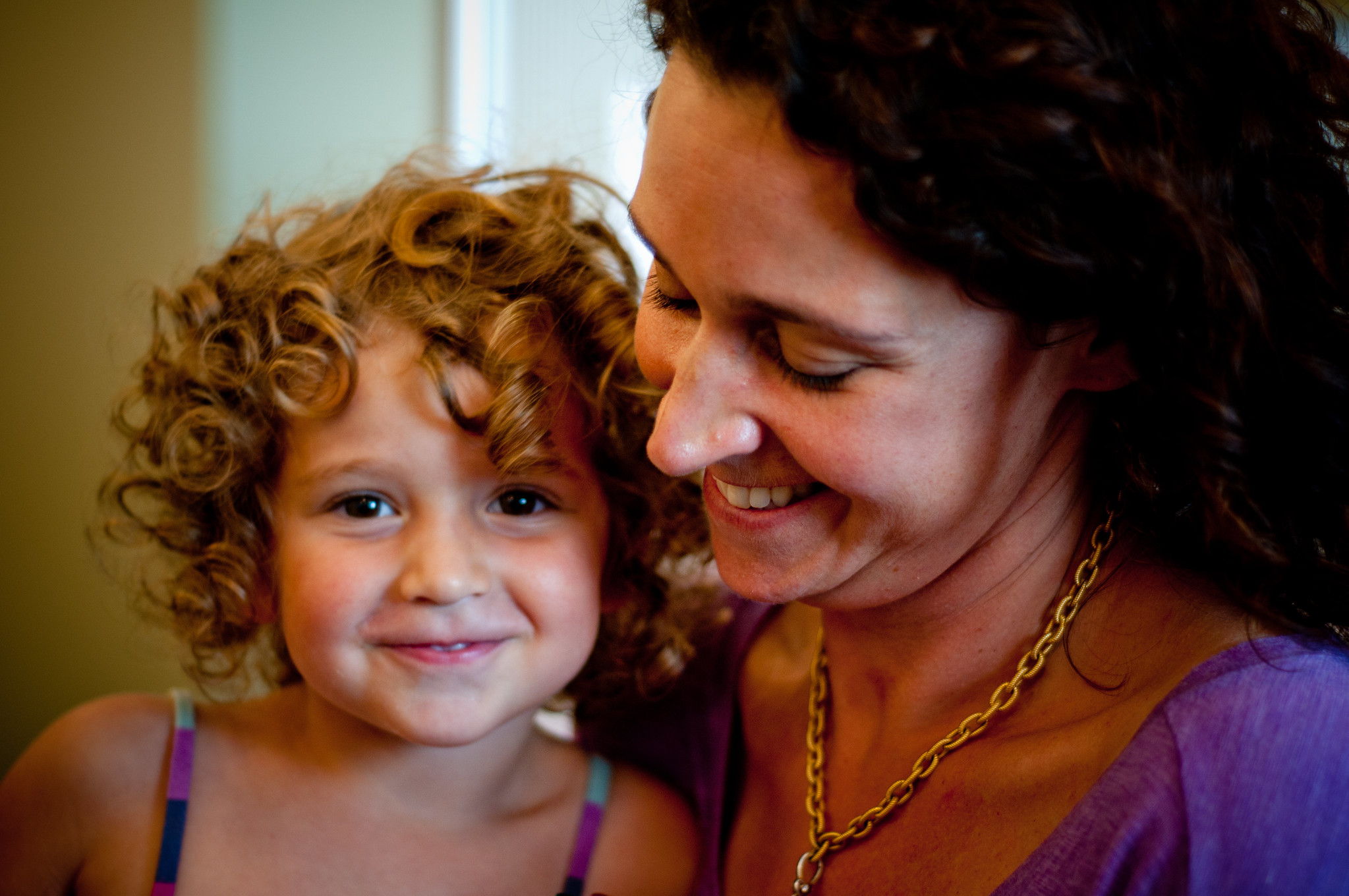 收养家庭:父母的故事和资源