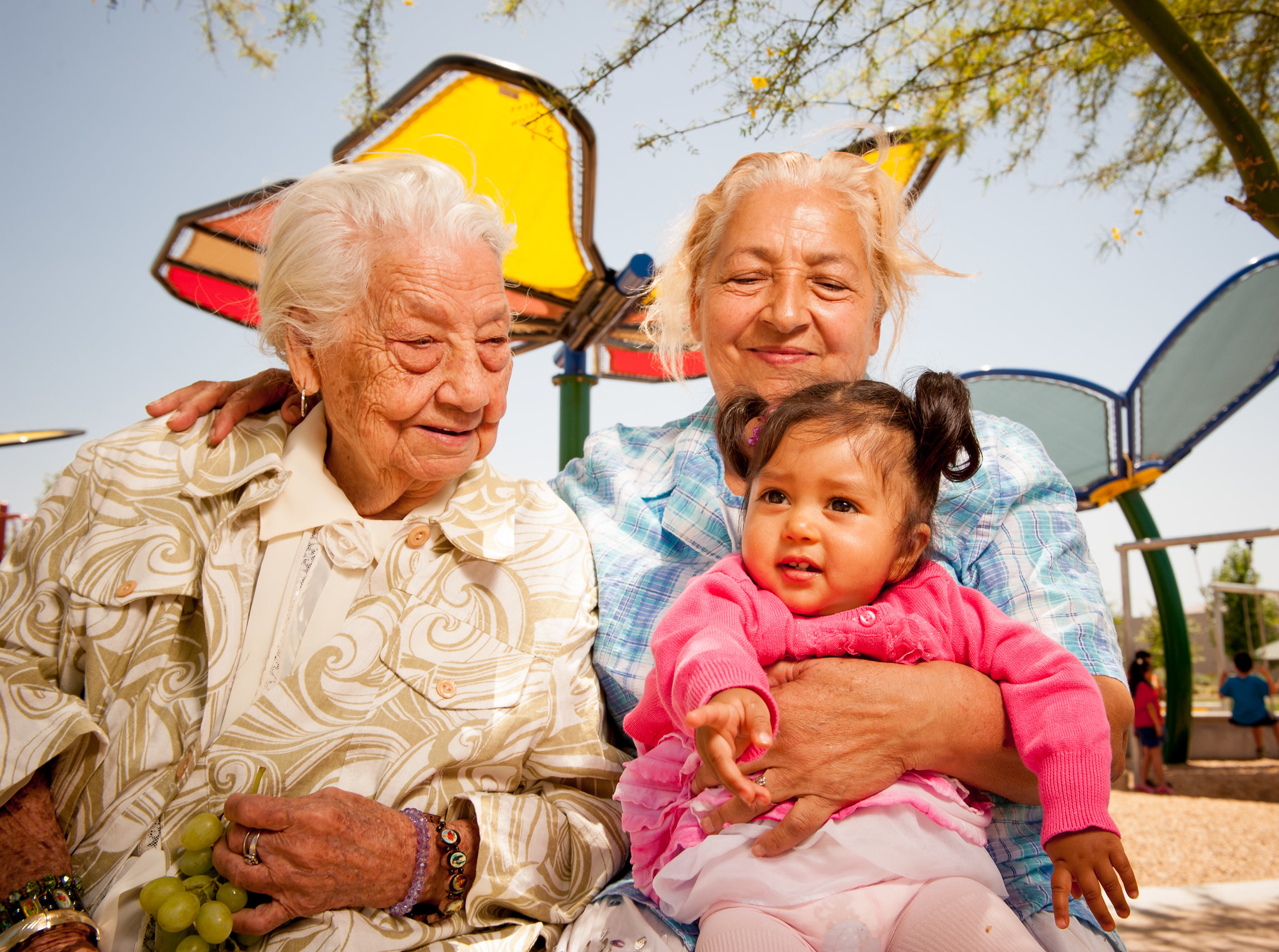 Fiestas Intergeneracionales durante COVID: ¡Celebre el Día Nacional de Escuchar!