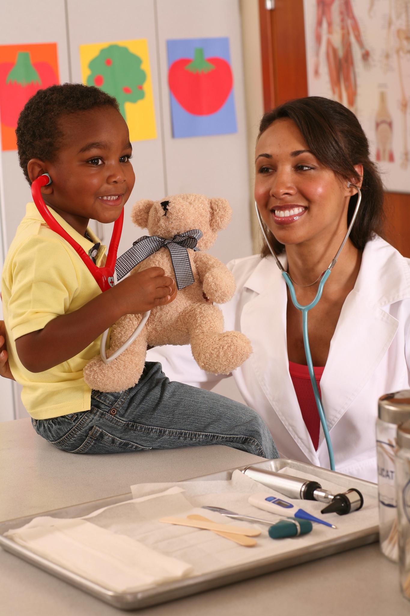 Manténgase al Día: ¡Vayan al Médico y Vacúnense!