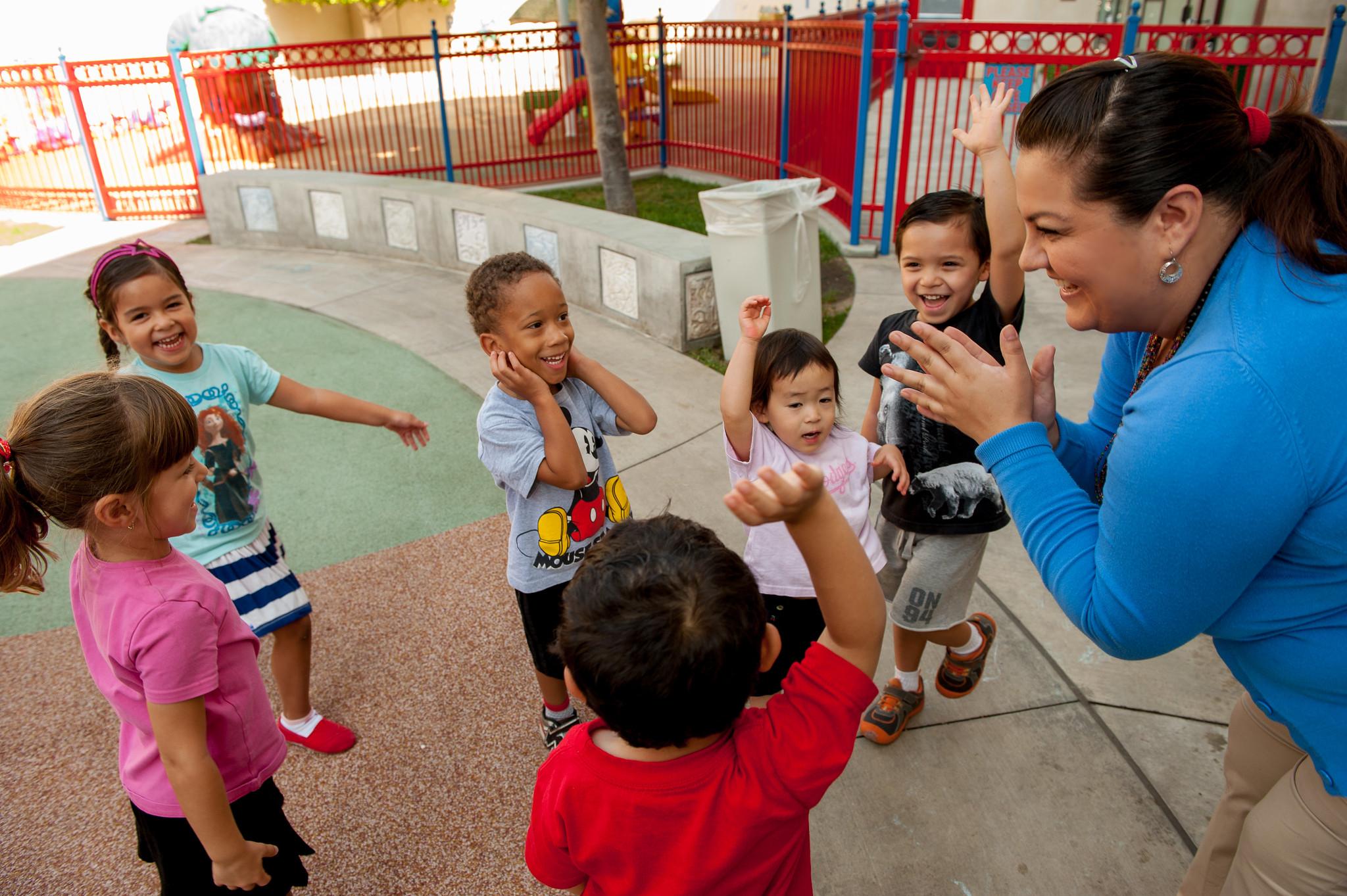 Retos de COVID-19: ¡Agradezca a un Trabajador de Cuidado Infantil!